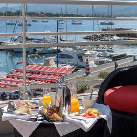 Terrasse Chambre Deluxe vue mer Porto Pollo Corse du Sud