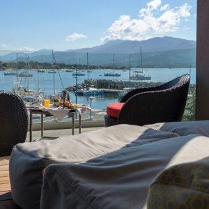 Terrasse Chambre Familiale vue mer Porto Pollo Corse du Sud