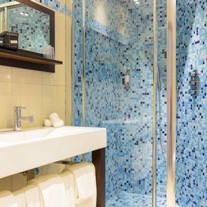 Salle de bain Chambre Deluxe vue mer Porto Pollo Corse du Sud