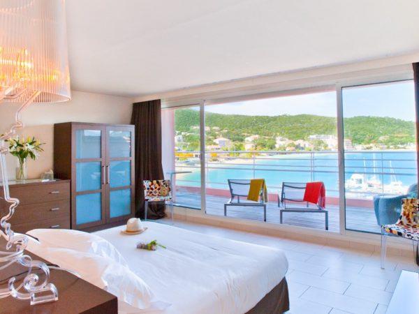 chambre-master-suite-deux-chambres-hotel-spa-plage-corse-sud-1